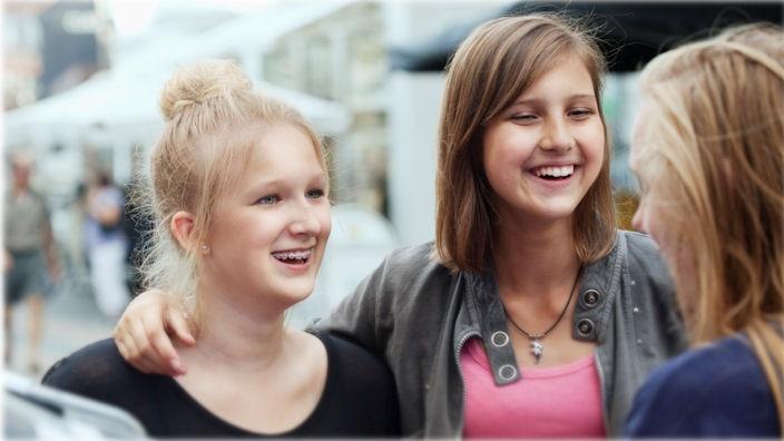 Se videoen om at være ung med spina bifida