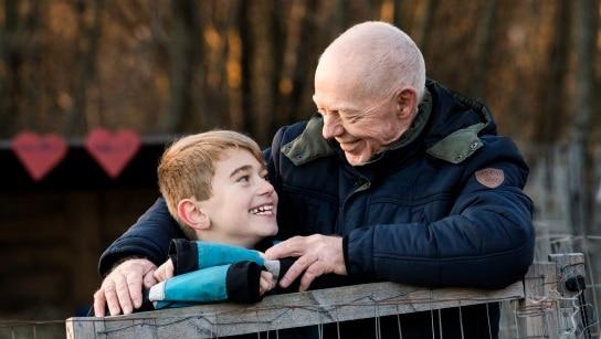 Torben ses sammen med hans barnebarn